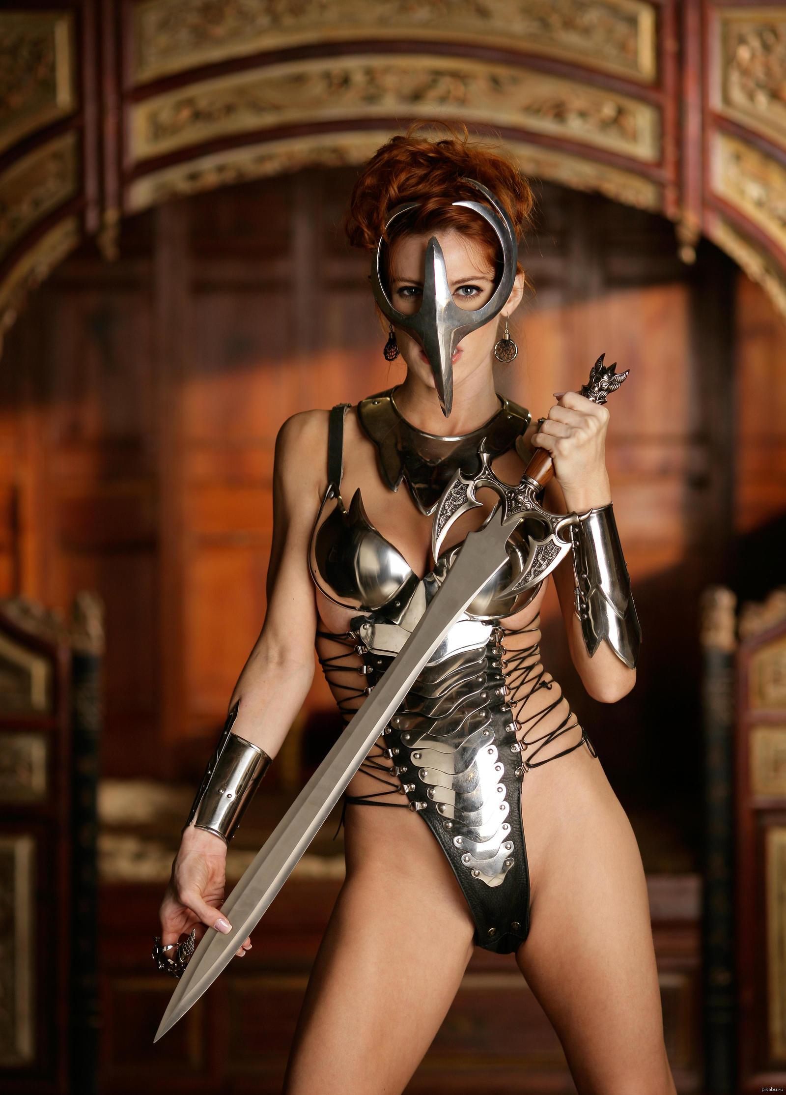 Sexy fantasy armor hardcore comic