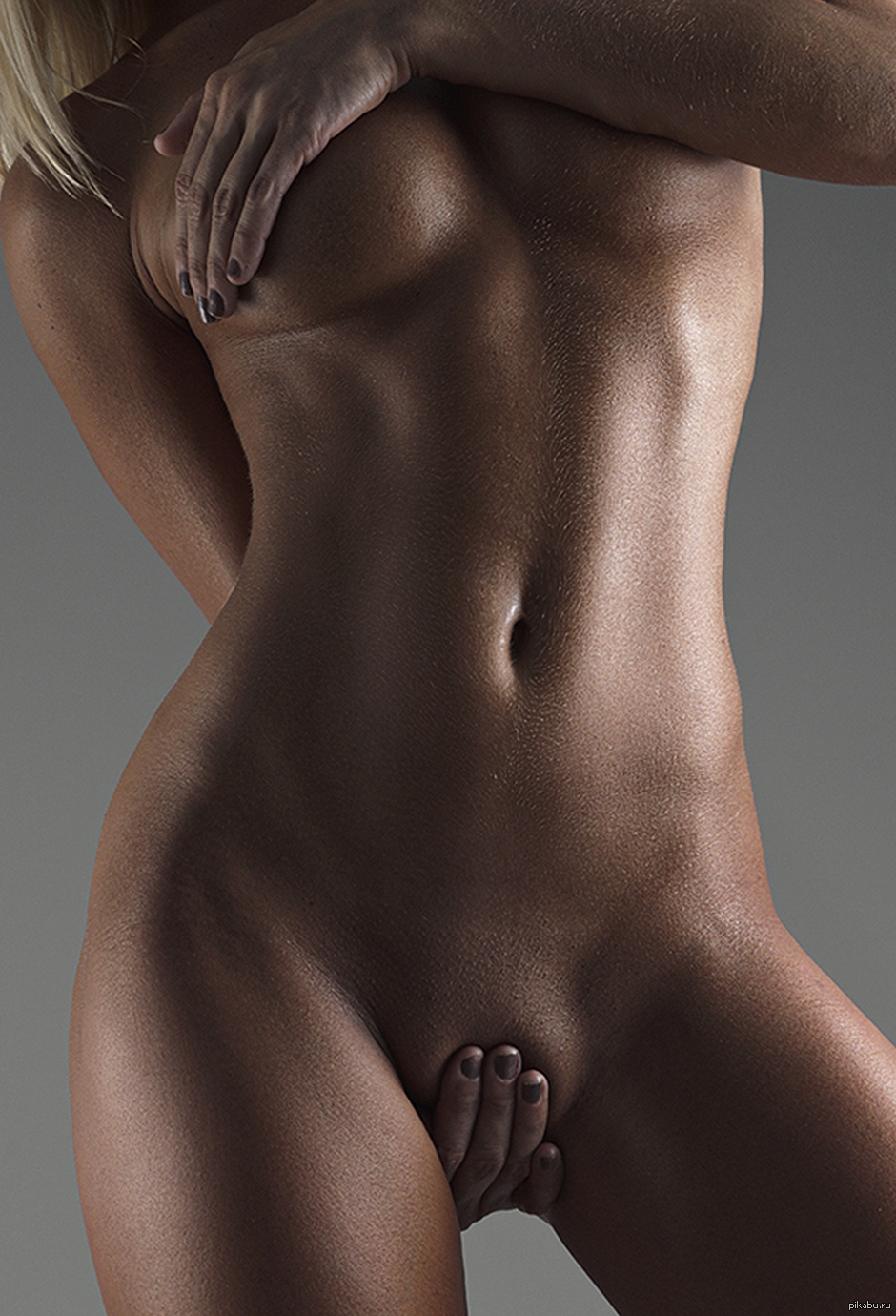 Сексуальные животики девушек 12 фотография