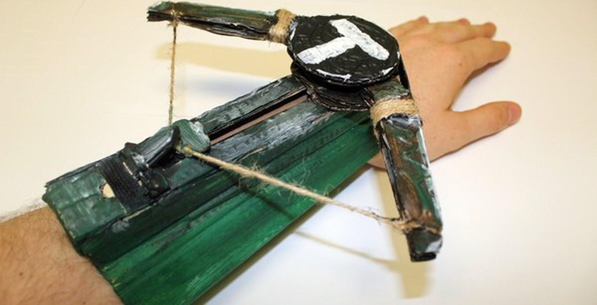 Как сделать из картона лук
